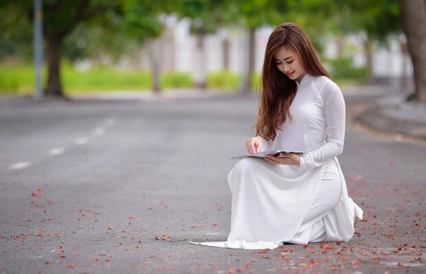 Phân tích bài thơ Tỏ lòng (Thuật Hoài) của Phạm Ngũ Lão