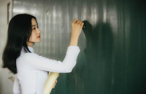 Phân tích nhân vật Huấn Cao trong tác phẩm Chữ người tử tù của Nguyễn Tuân